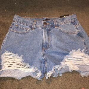 Fashion nova shorts with tags!